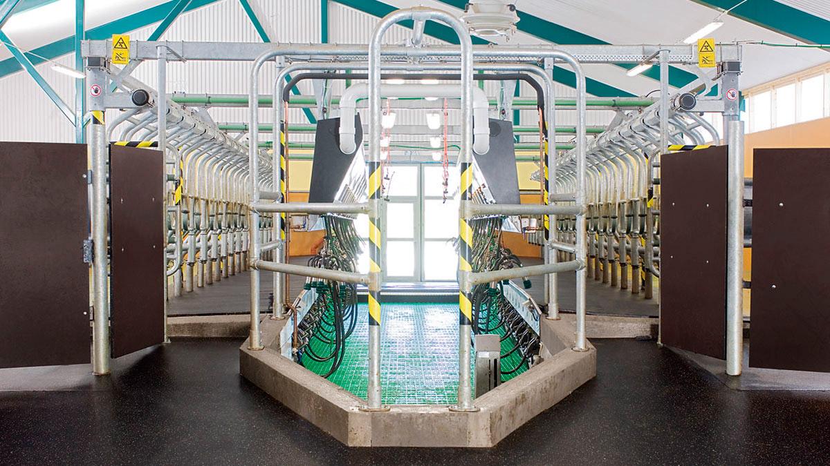 DairyFarming_Global90i_2